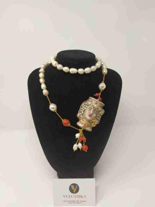 Collana perle e Ceramica di Caltagirone