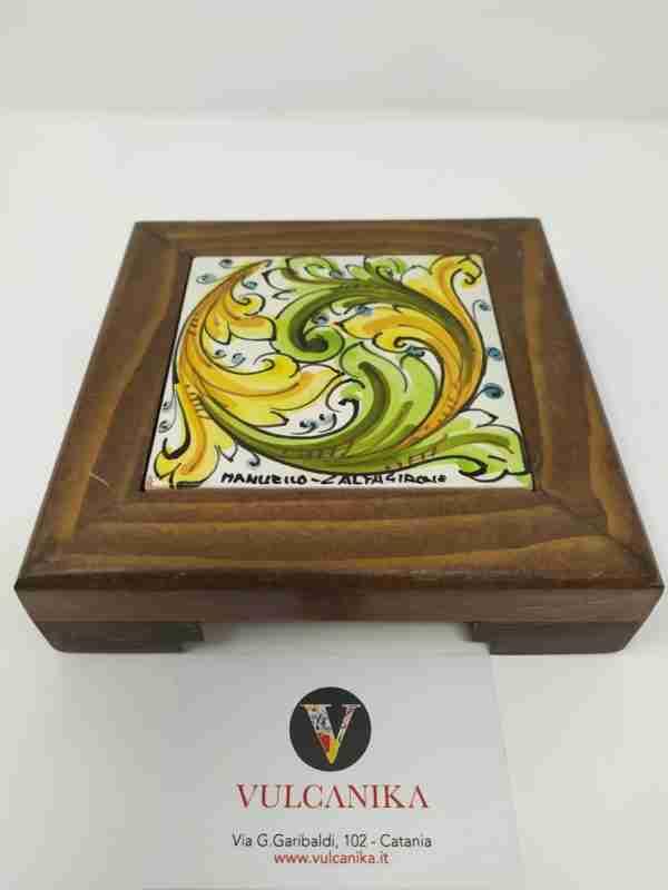 Poggiacaffettiera in legno e Ceramica di Caltagirone dipinto a mano