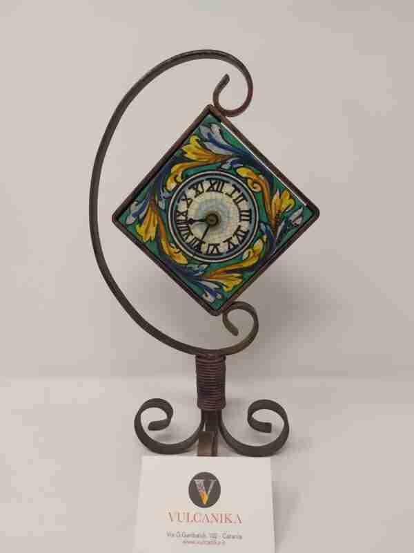 Orologio ferro battuto e ceramica di Caltagirone