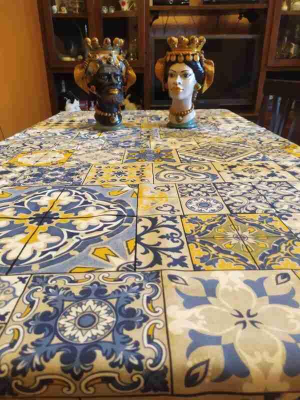 Copritavola in cotone cucito a mano tema Sicilia