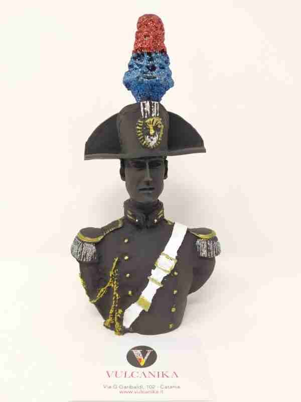 Busto Carabiniere alta uniforme in pietra lavica