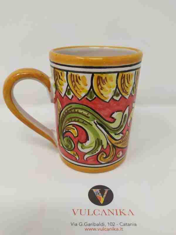 Tazza in ceramica di Caltagirone dipinta a mano
